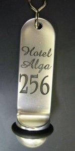 breloki hotelowe 12